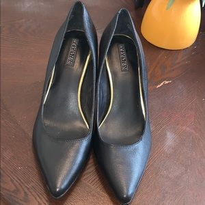 Kenneth cole reaction heels size 9